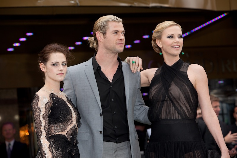 charlie théron kristen stewart and chris hemsworth