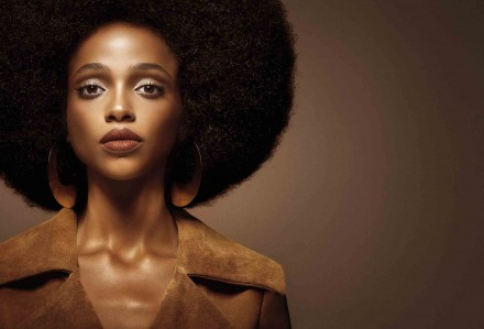 nars-velvet-lip-glide-campaign-visua-aya-jones-l
